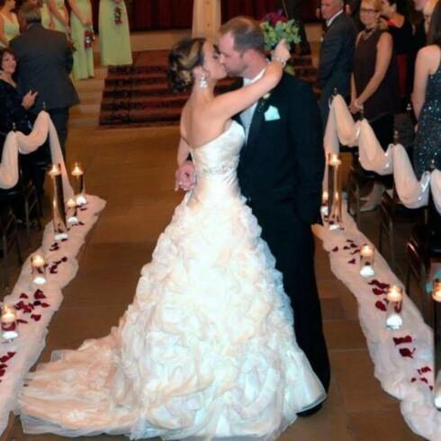 GIFT: Amerikanske Katie Stricker Curtis giftet seg med kanadiske Scott Stricker i november 2015. Nå bor familien på tre i Canada. Foto:  Foto: Privat