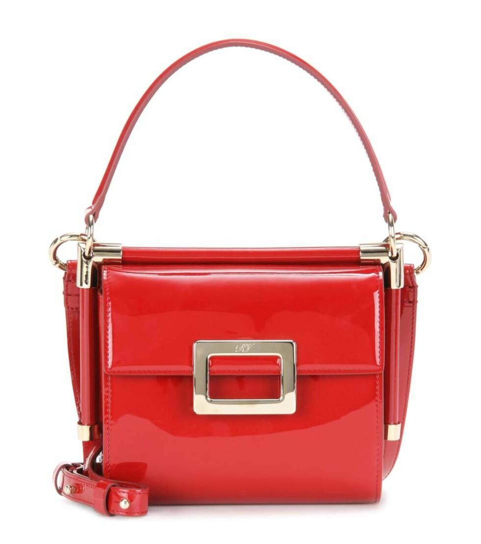 Veske fra Roger Vivier via Mytheresa.com | ca. kr 12.600 | http://www.mytheresa.com/en-de/miss-viv-carre-patent-leather-shoulder-bag-615391.html