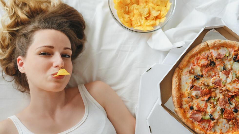 FYSEN: Visste du at når kroppen får for lite søvn blir du lettere fysen på energirik mat? Foto: Shutterstock / Anastasiya Aleksandrenko