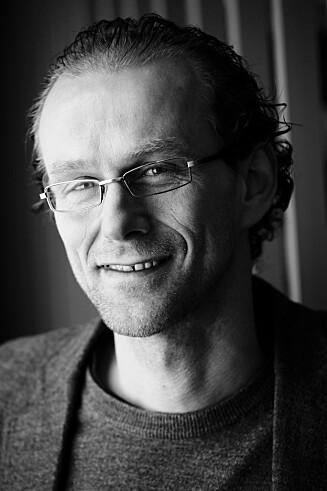 Birger Svihus, professor ved UMB. Fotografert på sitt kontor i Husdyrfagbygningen. Foto: UMB