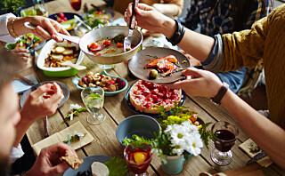 Forfatter om framtidens mat: - Vi kan komme til å spise syntetisk kjøtt - og like det!