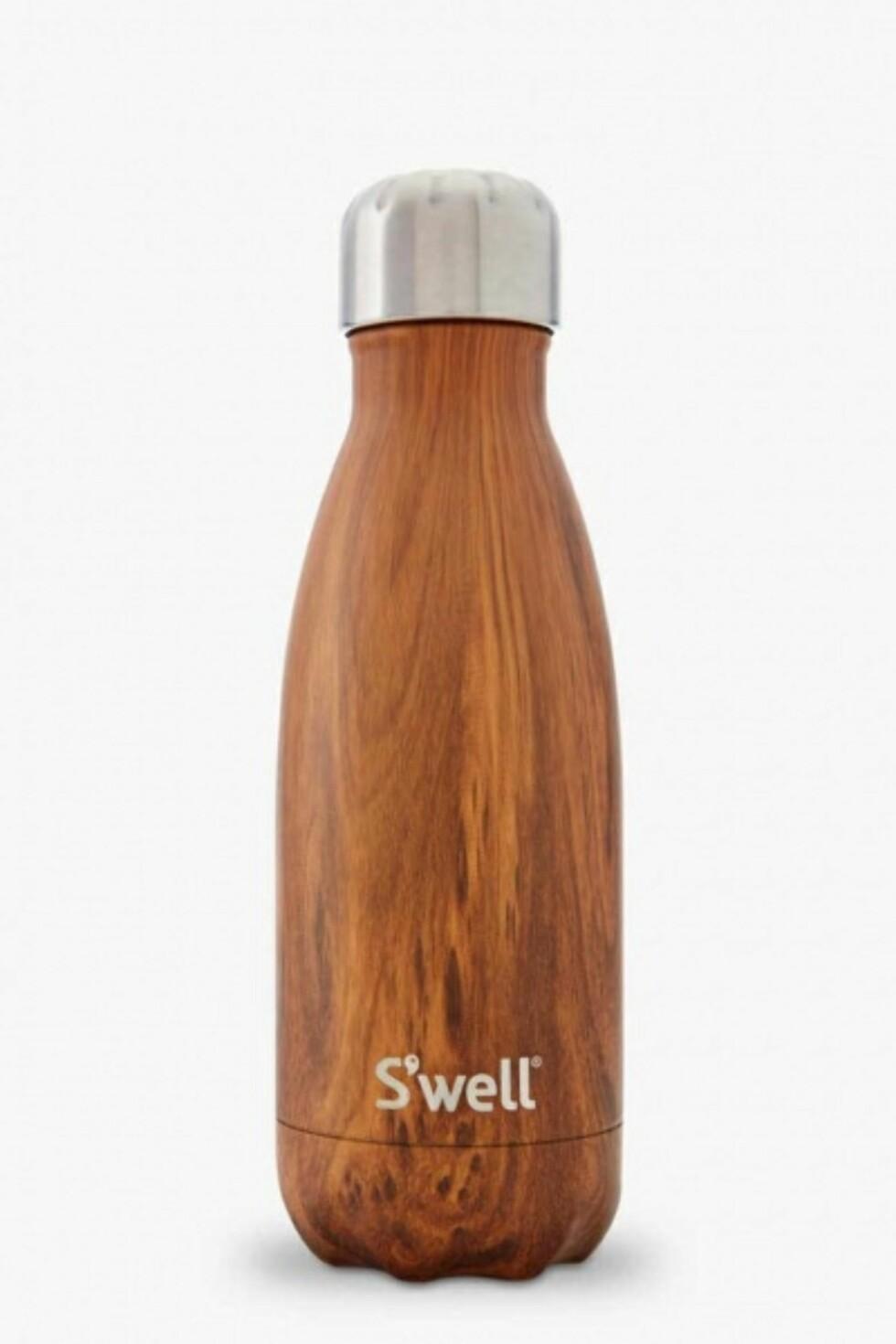 Flaske fra S'well via Samsarageilo.no | kr 299 | http://www.samsarageilo.no/products/teakwood-drikkeflaske-260-ml-swell?gclid=CjwKEAiAkajDBRCRq8Czmdj-yFgSJADikZgg4Z76WrmiFWJVSZUXJhF075G5l16jFw84SDKnWc82TBoCKq7w_wcB