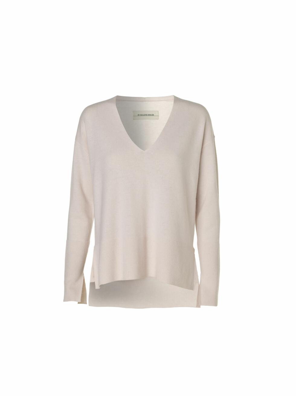 Genser fra By Malene Birger | kr 2100 | http://www.bymalenebirger.com/no/knitwear/accina-sweater-Q57732028.html?cgid=ec9eefcfe717b9e9caa25861ababfcc20d149ca2&dwvar_Q57732028_color=5BZ