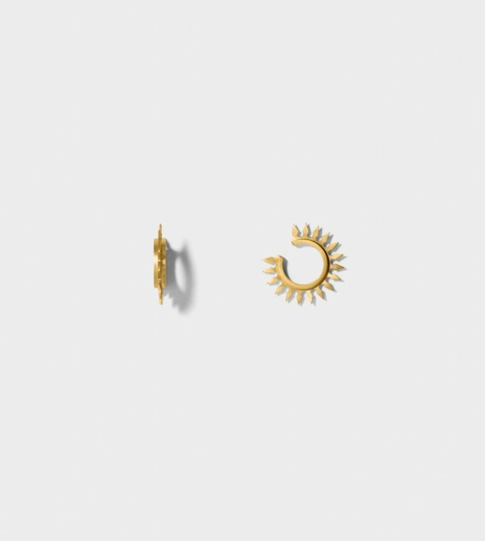 Ear cuff fra Line&Jo | kr 3450 | http://www.lineandjo.com/product/1962-linejo-miss-eireen-gold