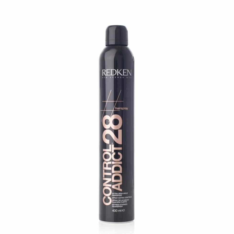 Hårspray fra Redken via BliVakker.no | kr 120 | https://www.blivakker.no/product/3046622/redken-hairspray-control-addict-28-400ml