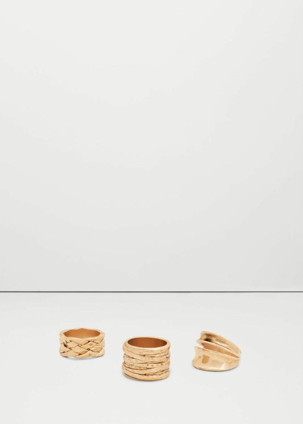 Ringer fra Mango | kr 129 | http://shop.mango.com/NO/p1/damer/tilbeh%C3%B8r/smykker/ringer/metallringsett?id=73040138_OR&n=1&s=accesorios.bisuteria&ts=1480059229418