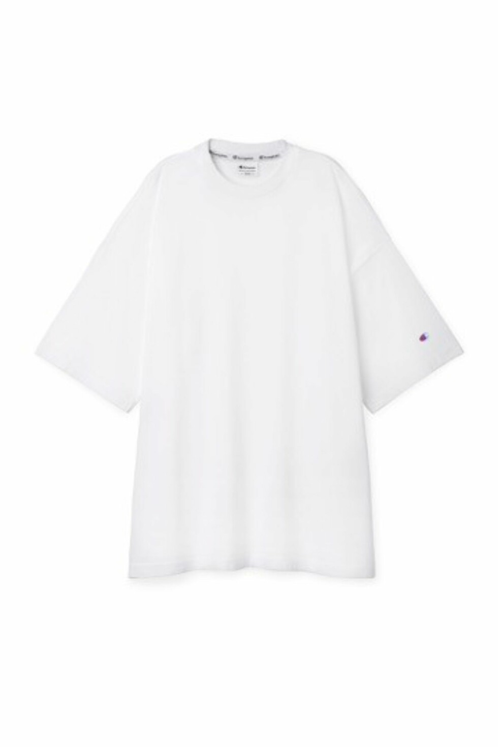 T-skjorte fra Champion x Weekday, kr 500.