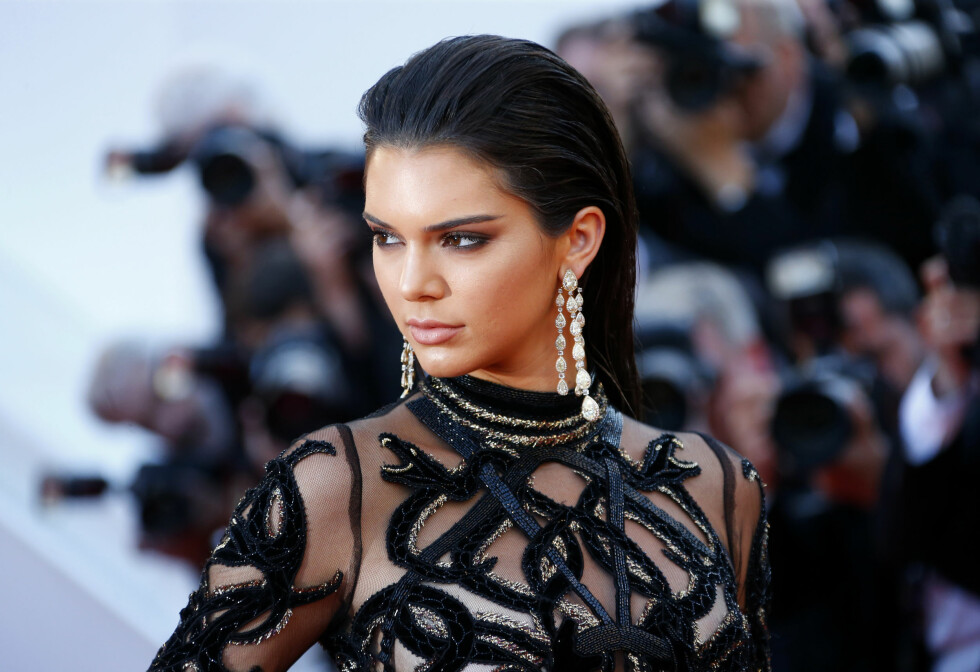"Model Kendall Jenner poses on the red carpet as she arrives for the screening of the film ""Mal de pierres"" (From the Land of the Moon) in competition at the 69th Cannes Film Festival in Cannes, France, May 15, 2016. REUTERS/Yves Herman Foto: Reuters"