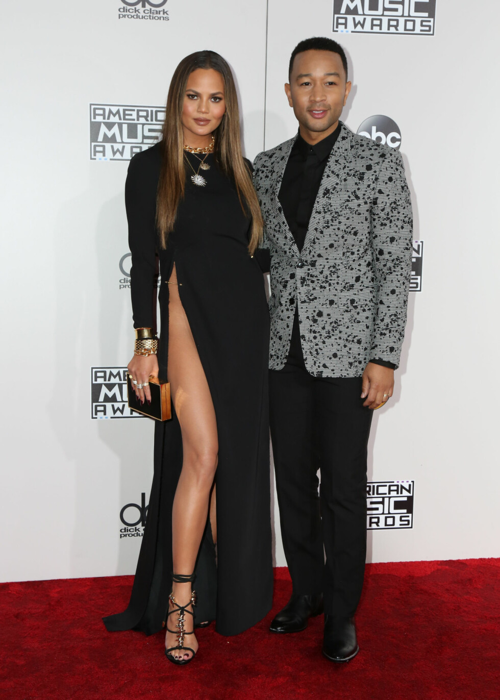 AMERICAN MUSIC AWARDS: Chrissy Teigen og John Legend. Foto: SipaUSA
