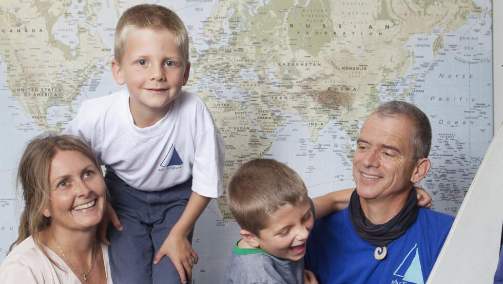BODDE I EN SEILBÅT: I sju år bodde familien Våge Bogerud i en seilbåt. Nå bor de et hus på 40 kvadratmeter i hagen til Heidis foreldre.  Foto: Anne Elisabeth Næss