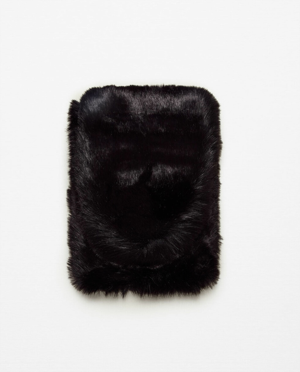 Stort skjerf i kunstpels fra Zara | kr 699 | http://www.zara.com/no/no/dame/accessories/t%C3%B8rkler/ekstra-stor-omsluttende-stola-i-kunstpels-c271013p3649043.html