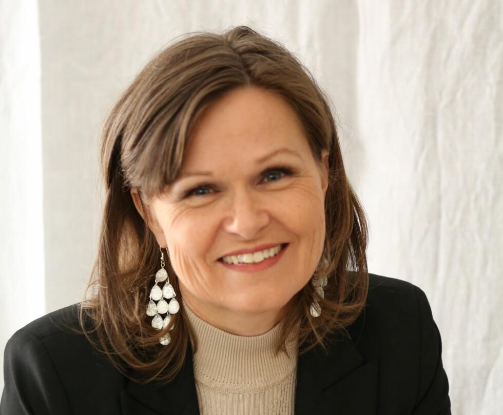 EKSPERTEN: Trine Huseby er familieterapeut ved Familievernkontoret Ringerike og samlivsterapeut ved Sundvolden Hotel. Foto: Privat