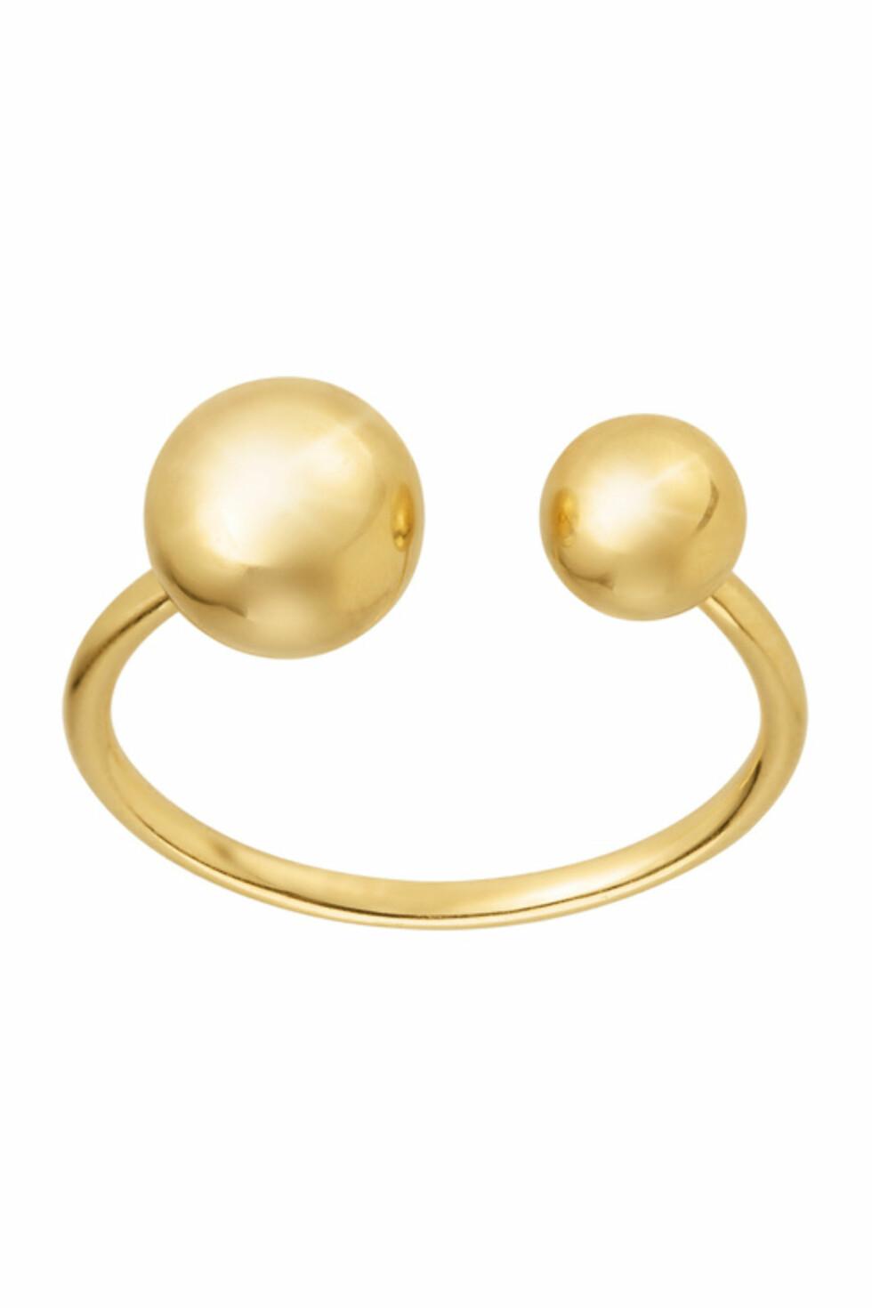 Ring fra Sophie by Sophie via Ellos.no | kr 790 | https://track.adtraction.com/t/t?a=1068408670&as=1115634940&t=2&tk=1&url=http://www.ellos.no/sophie-by-sophie/ring-two-planet/558744?N=1z141puZ1z141riZ1z141od&Ns=RankValue3|1&Nao=38&selArt=273829&pr=0C1B2S3T