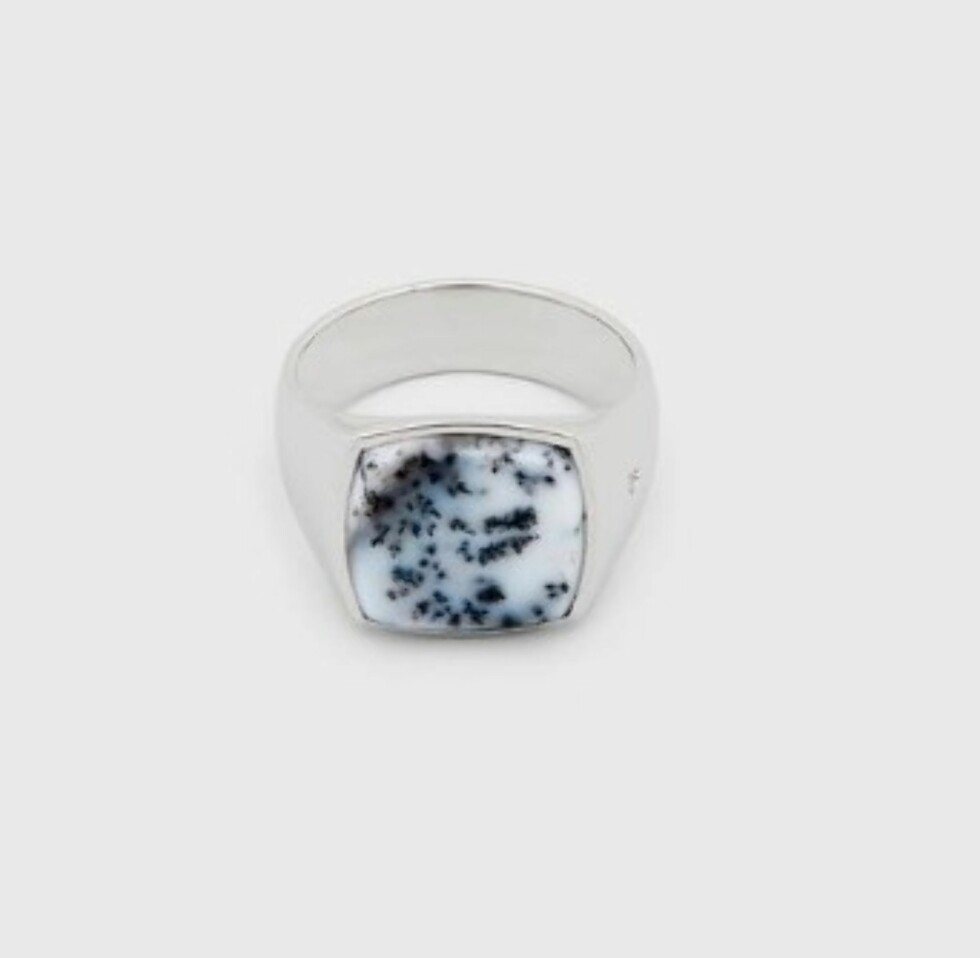 Ring fra Tom Wood | kr 3000 | https://www.tomwoodproject.com/collections/rings?page=6