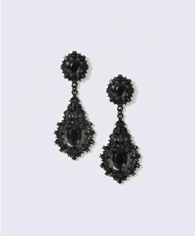 Øredobber fra Gina Tricot | kr 129 | http://www.ginatricot.com/cno/no/kolleksjon/tilbehor/smykker/orepynt/ornate-stone-drop-earrings/prod503182729841.html
