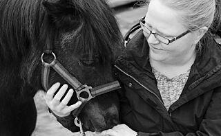 Hestene til Linda ble stjålet for ti år siden, men så tikket det inn en e-post