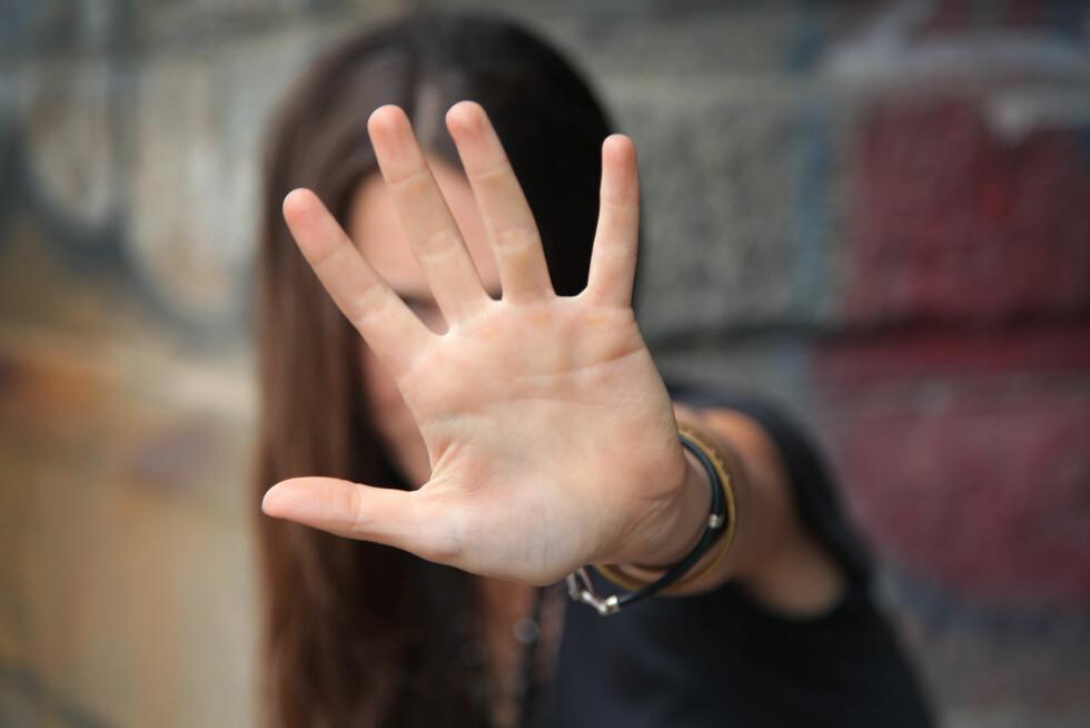 NEI: Mange skandinaviske kvinner er dårlige på avvisning av frykt for å såre, men Nielsen mener vi må lære oss å gi et klart og tydelig nei. Foto: Shutterstock / Lisa A