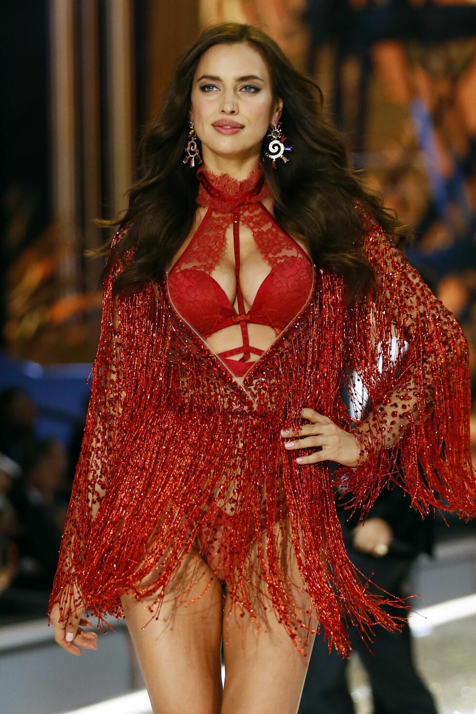 Irina Shayk, Victoria's Secret Fashion Show, Runway 2016  Foto: Ap