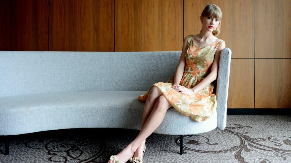 TAYLOR SWIFT: Det er ti år siden sangstjernen slapp sitt første album,og mye har skjedd siden da! Foto: Epa