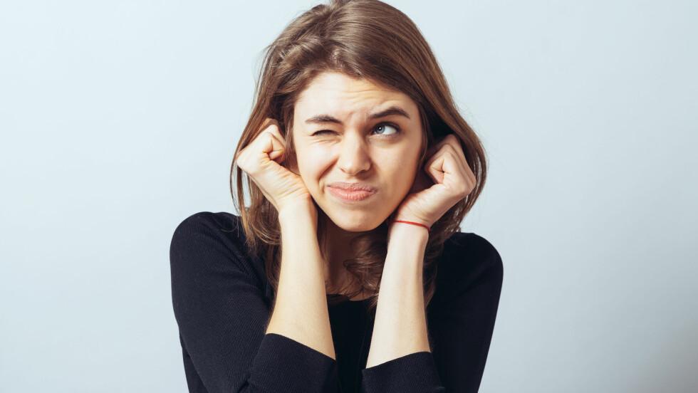 MISOFONI: Blir du stressa og irritert over andres spiselyder? Da kan det være du lider av misofoni. - Misofoni betyr bokstavelig talt hat for lyd.  Foto: Shutterstock / file404