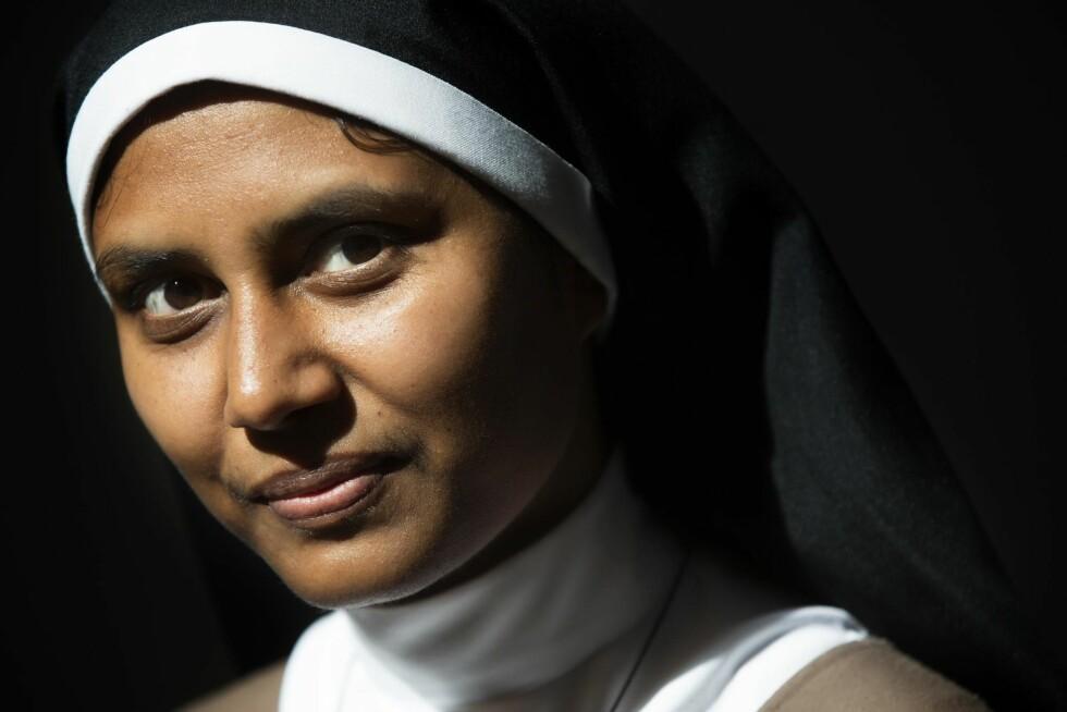 KLARASØSTER: Beatrice kommer fra staten Jharkand nordøst i India. Som 17-åring kom hun til Klara-klosteret i Shamshabad, men takket i fjor ja til å reise til Norge og Larvik sammen med seks søstre.   Foto: Sverre Chr. Jarild