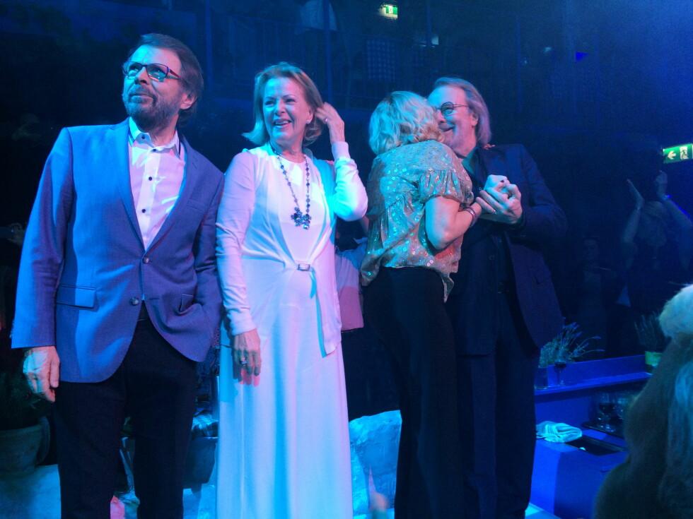 <strong>GJENFORENT:</strong> Tidligere i år samlet stjernene seg i forbindelse med «Mamma Mia!»-inspirert restaurantåpning. Foto: TT NYHETSBYRÅN
