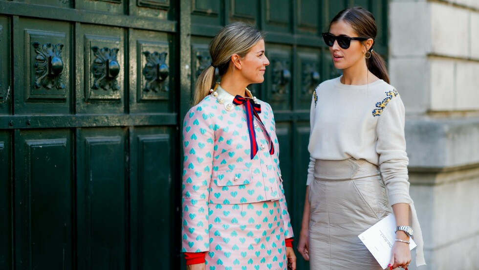 Street style, bloggers Janka Polliani and Darja Barannik arriving at Hermes Spring Summer 2017 show held at Garde Republicaine, in Paris, France, on October 3, 2016. Photo by Marie-Paola Bertrand-Hillion/ABACAPRESS.COM Foto: Abaca
