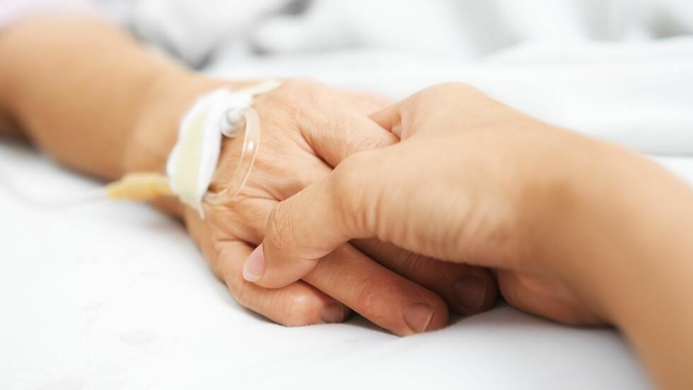 KOM DEG TIL SYKEHUSET MED ÉN GANG: - Mistenker du hjerteinfarkt eller hjerneslag er det avgjørende at du kommer raskt til sykehus og du skal unngå legevakten før du drar videre, sier Torgeir Solberg Mathisen, som er slag-sykepleier og helsefaglig rådgiver i LHL Hjerneslag.  Foto: NTB Scanpix