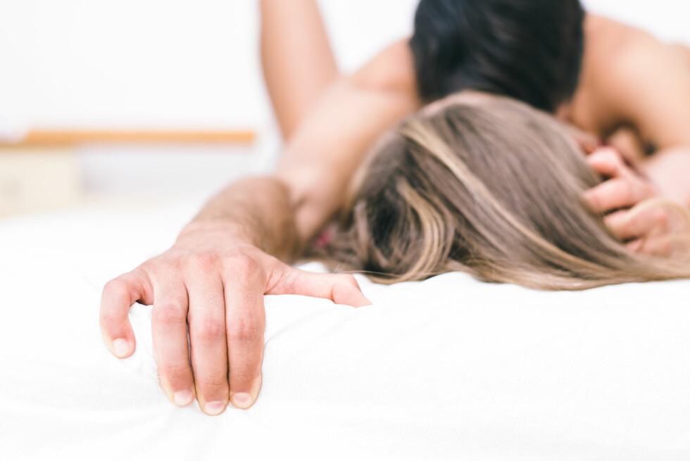 ORGASME: Kathrine Berling, sexolog og orgasmeekspert, forteller det er sjeldent at kvinner får orgasme kun ved ren penetrering og at man derfor må være flink til å variere stillingene ut i fra egen kropp. Foto: Shutterstock / oneinchpunch