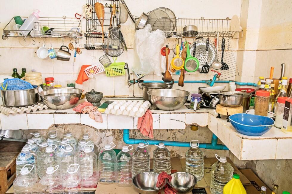ROT: Hvis kjøkkenet ditt ser sånn ut er det kanskje på tide å gjøre noe? Foto: Shutterstock