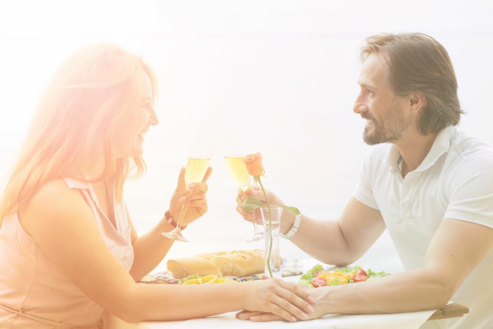 DATE: Skal du kunne treffe noen må du være der folk er, for eksempel ved å oppsøke hobbyer og foreninger. Foto: Shutterstock / lipik