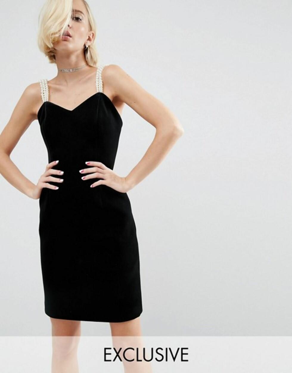 Sort kjole med perledetaljer fra WAH London x Asos | kr 1025 | http://ninjalink.com/s/KiljEo9LcM