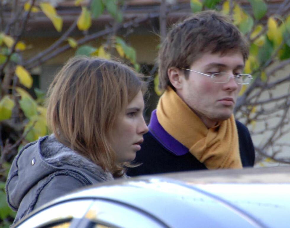 DAGEN ETTER DRAPET: Amanda Knox og den daværende kjæresten Raffaele Sollecito.  Foto: AP