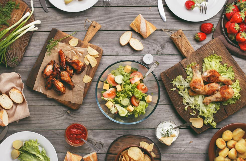 VARIASJON: Spiser du bare ett måltid om dagen er det svært vanskelig å få i seg alle næringsstoffene du trenger, uten å spise alt for store mengder. Foto: Shutterstock / KucherAV