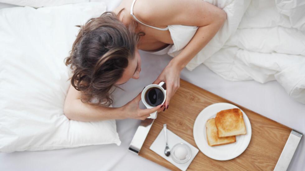 MÅLTIDER: Ett stort eller fire små? Hvor mye har det egentlig å si for oss hvor ofte vi spiser? Foto: Shutterstock / A Lot Of People