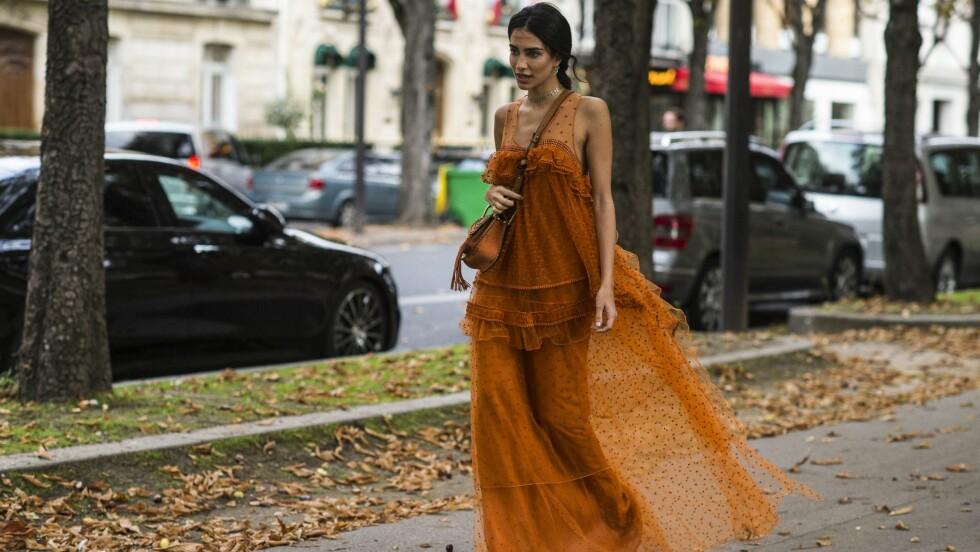 <strong>ÅRETS FARGE:</strong> Brunt er kåret til årets farge og nyansen på denne lekre kjolen er kun en av mange delikate bruntoner. Foto: Rex Features