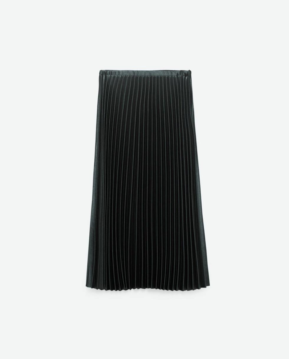 Grønt skjørt fra Zara | kr 559 | http://www.zara.com/no/no/dame/skj%C3%B8rt/se-alle/plissert-midiskj%C3%B8rt-c733908p3720577.html