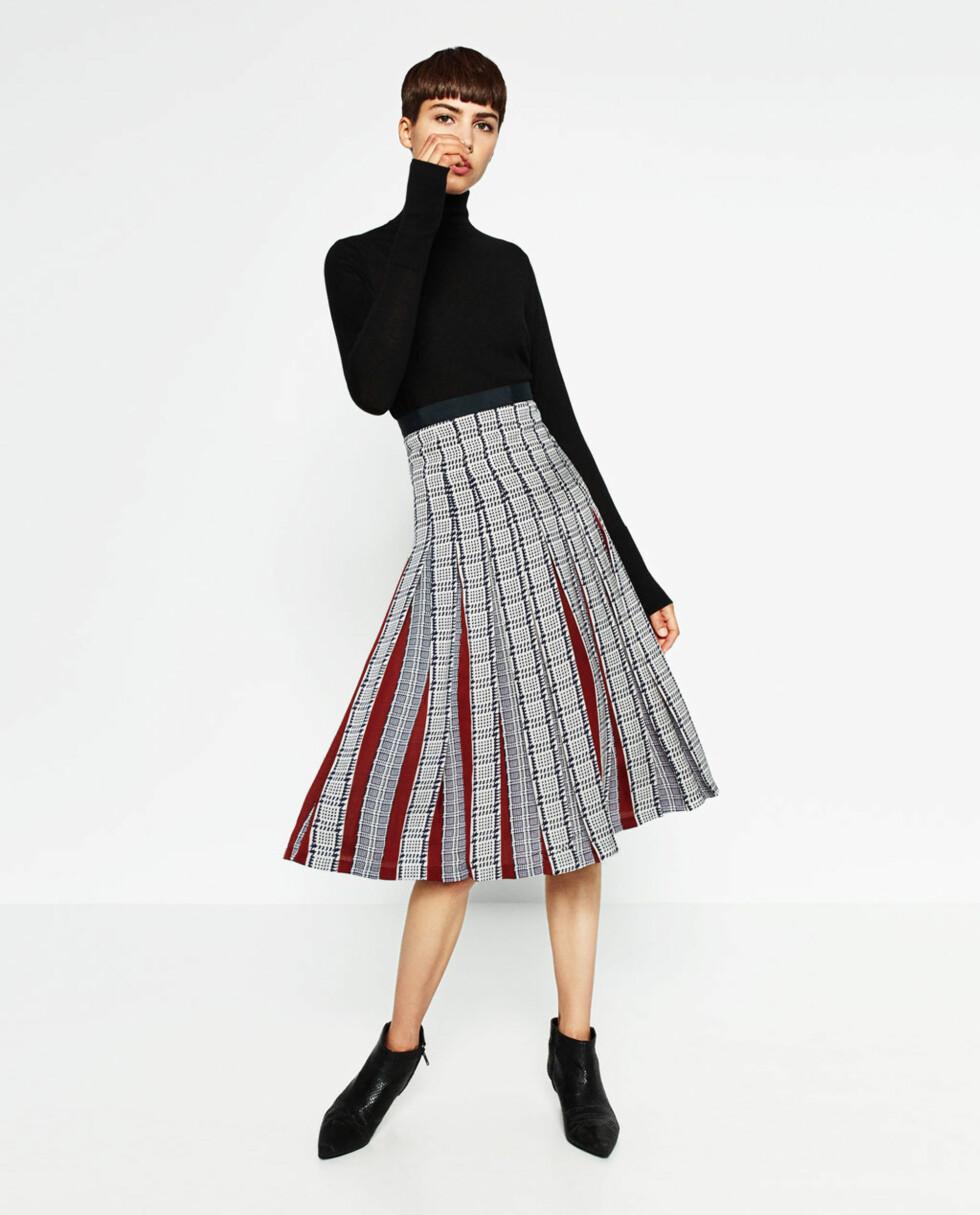 Mønstret skjørt fra Zara | kr 559 | http://www.zara.com/no/no/dame/skj%C3%B8rt/midi/plissert-m%C3%B8nstret-midiskj%C3%B8rt-c498016p3812588.html