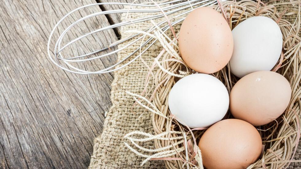 EGG: Hva er egentlig forskjellen på de brune og hvite eggene? Det har eksperten gitt oss svaret på.  Foto: Shutterstock / skynetphoto