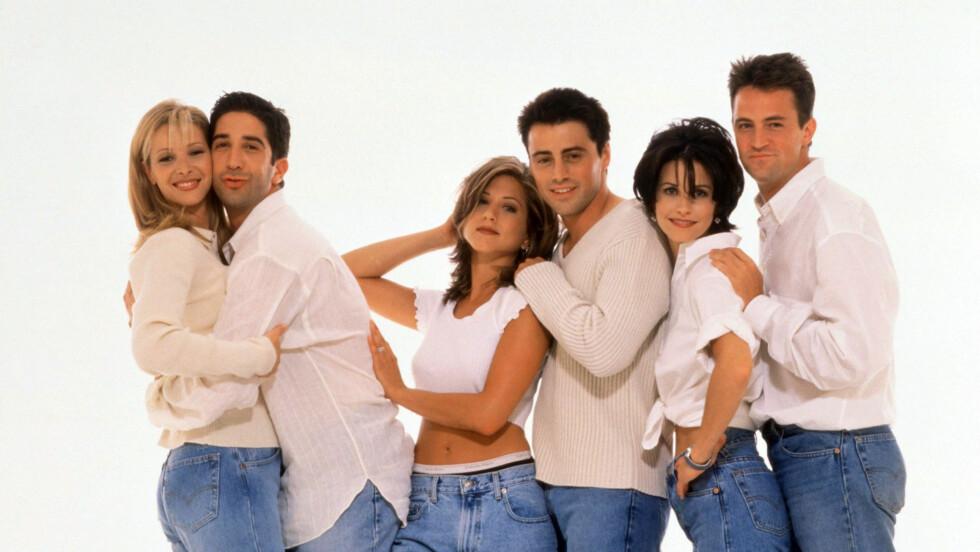 «FRIENDS»: TV-serien «Friends» ble svært populær på 90-tallet og er det fortsatt i dag. Men visste du at flere superstjerner hadde gjesteroller i serien?  Foto: WARNER BROS TV / Album