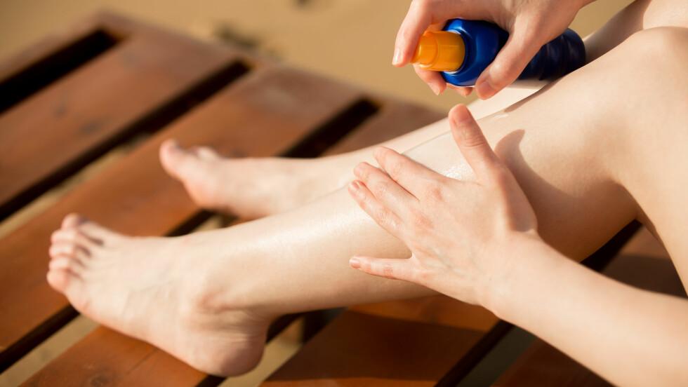 VIKTIG MED BESKYTTELSE: Solkrem er viktig, men som med så mye annet kan du være allergisk mot solkremen du bruker. Symptomene ligner på de du får om du er ordentlig solbrent.  Foto: Scanpix