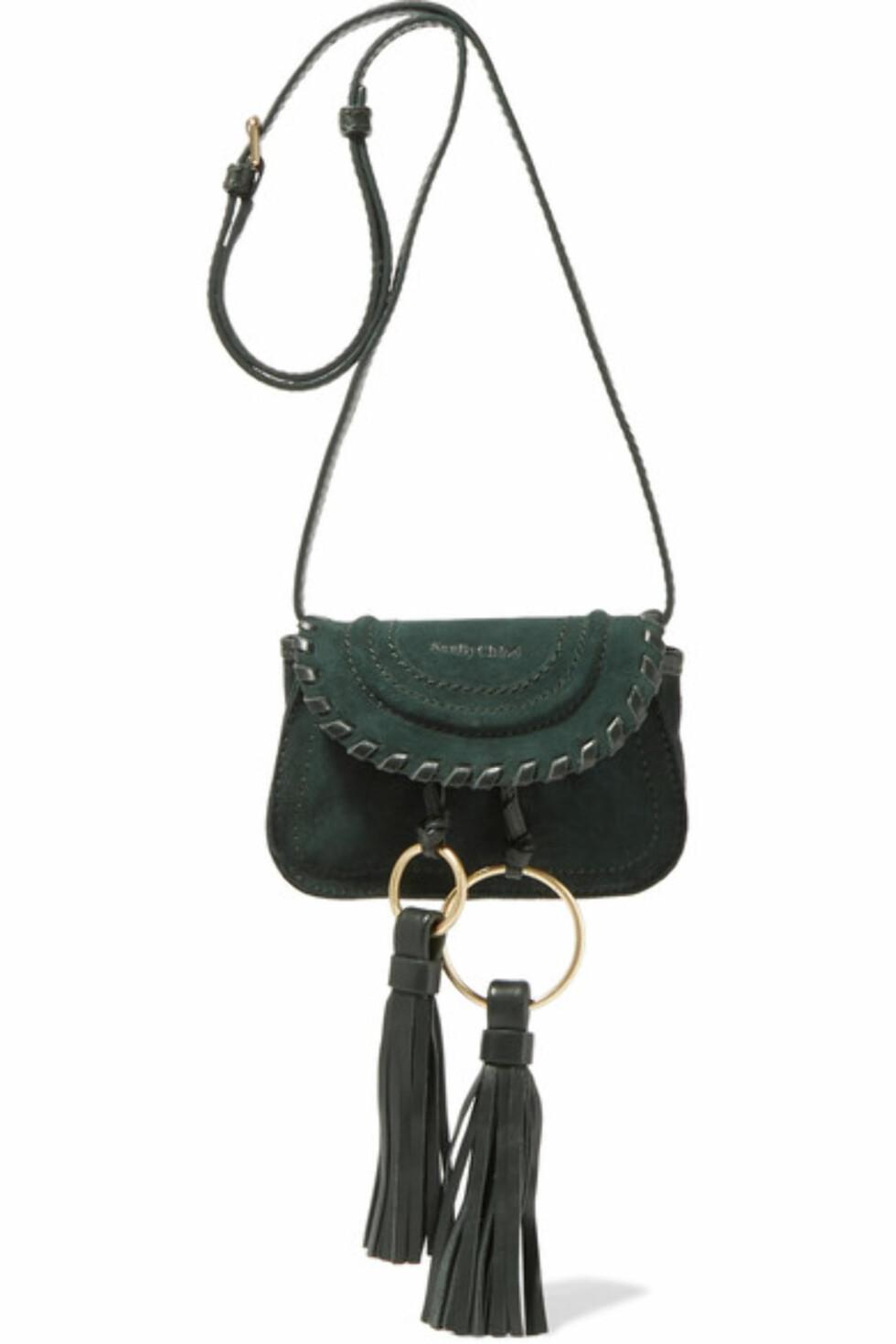 Veske fra See By Chloe via Net-a-porter.com | kr 2230 | https://www.net-a-porter.com/no/en/product/756764/see_by_chloe/polly-tasseled-suede-shoulder-bag