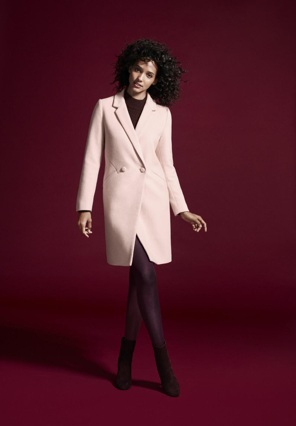 CORA EMMANUEL: Hun er en av modellene som fronter den nye kolleksjonen til Lindex. Foto: Produsenten