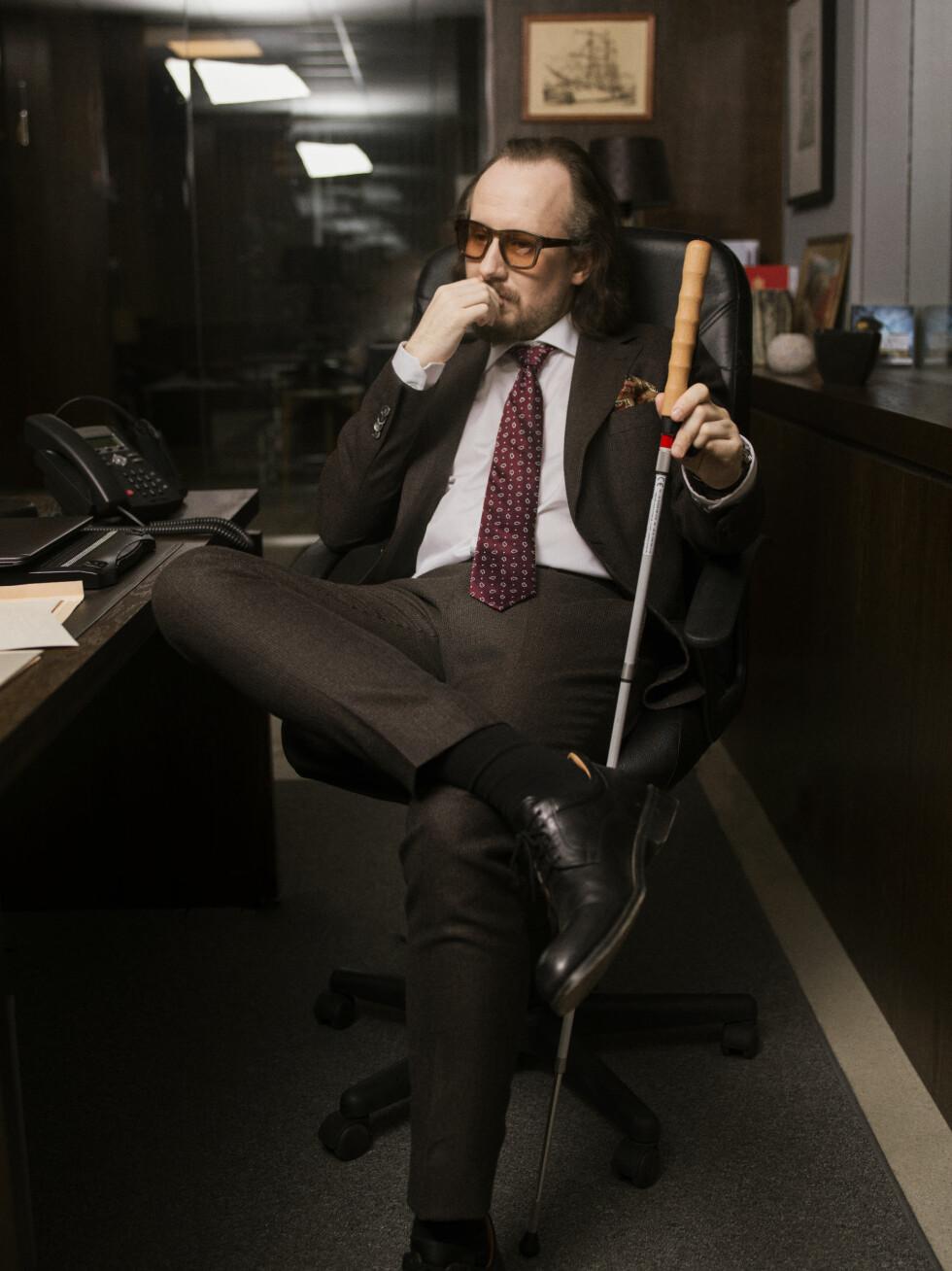 MAGNUS BRATSETH: Torgny Gerhard Aanderaa spiller den blinde advokatpartneren. Foto: TV3