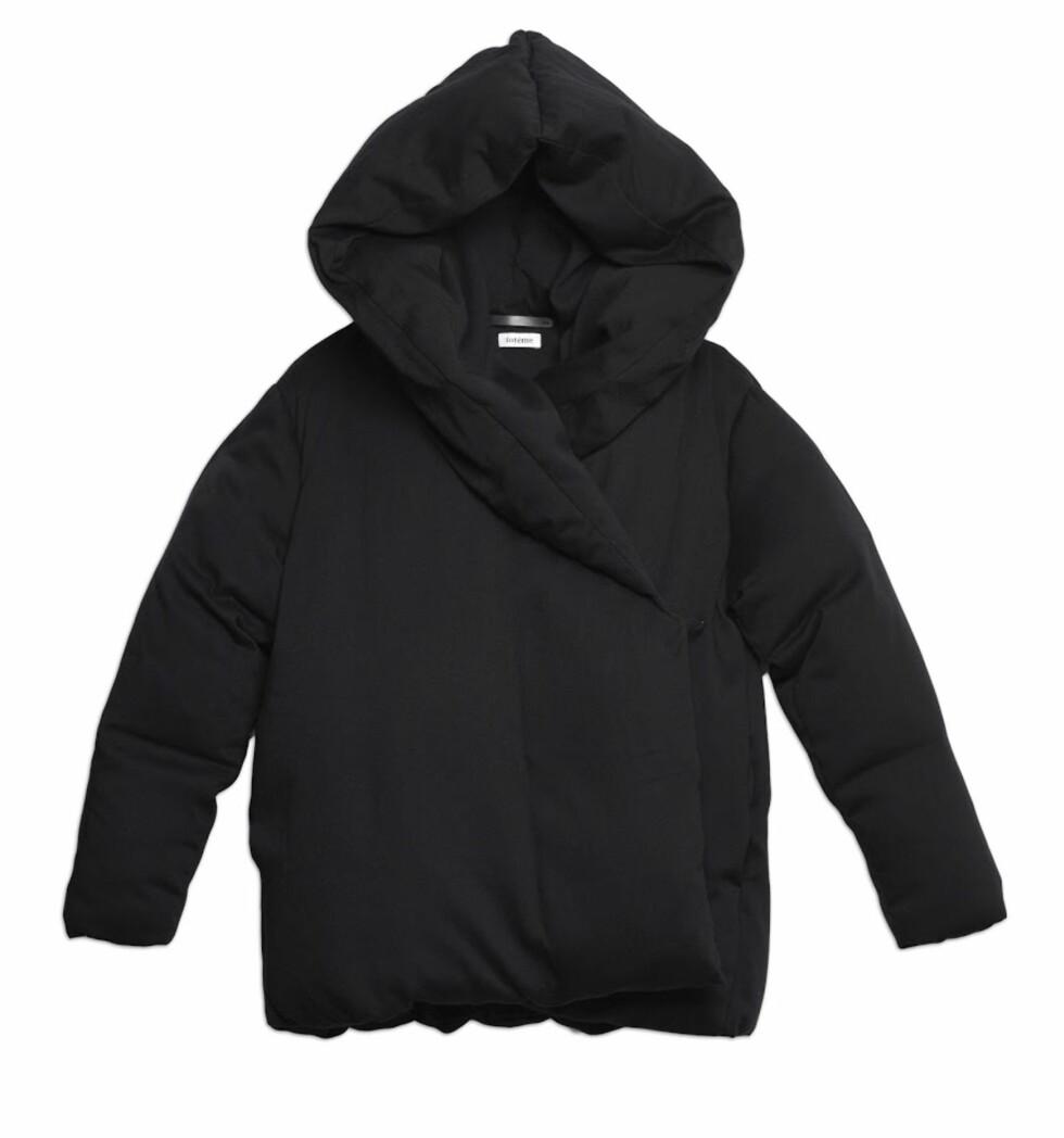 Jakke fra Toteme   kr 4400   http://www.toteme-nyc.com/shop/main/slogen-jacket?color=black