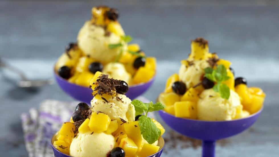 MANGOIS: Pass på at mangoen er godt moden. Da har den mest smak og er lett å bruke! Foto: All over press
