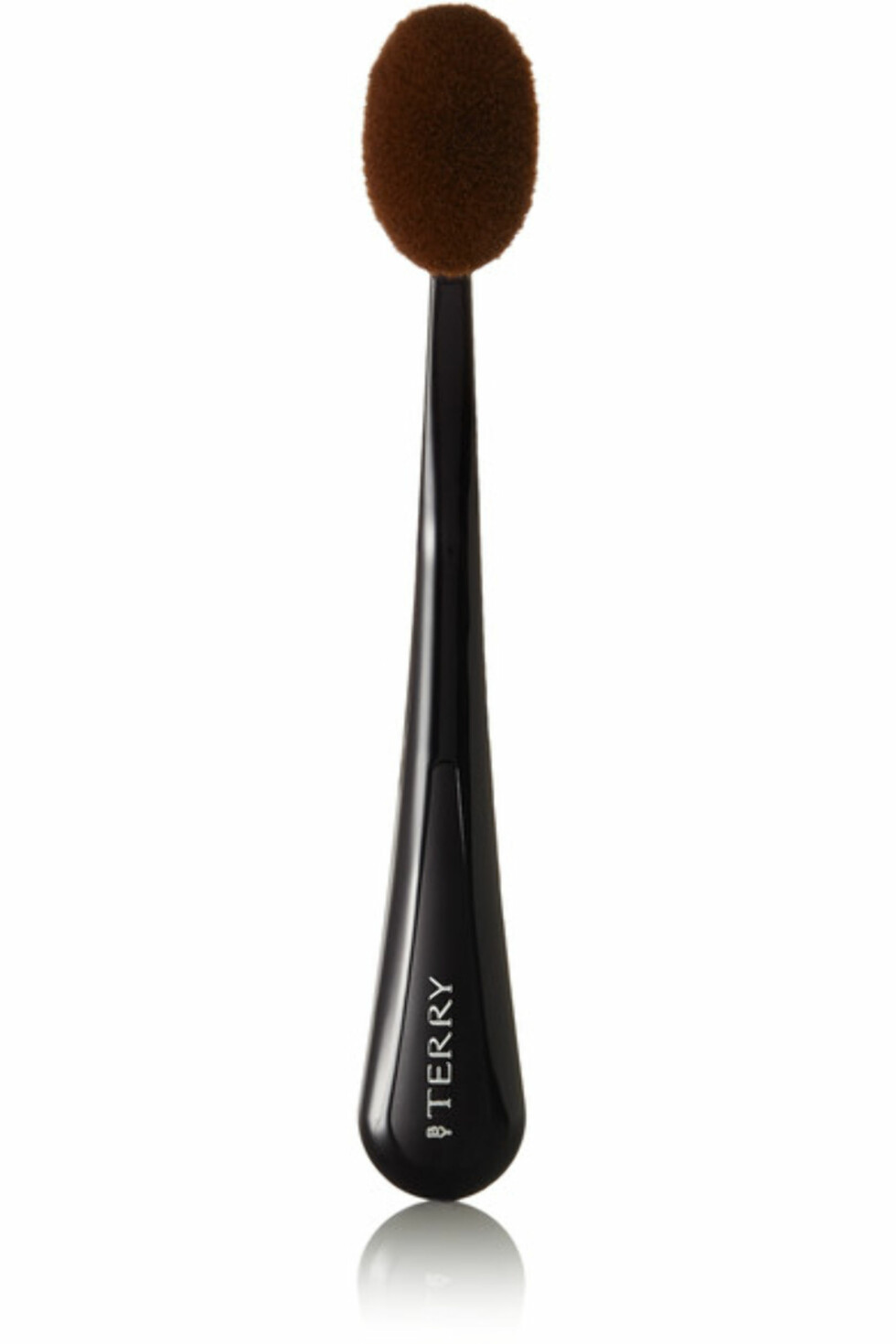 Foundationbørste fra By Terry via Net-a-porter.com | kr 482 | https://www.net-a-porter.com/no/en/product/681272/By_Terry/soft-buffer-foundation-brush