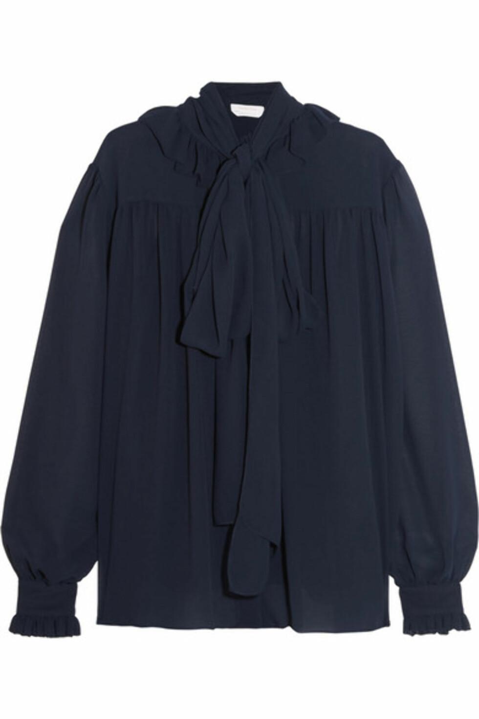 Bluse fra See By Chloé via Net-a-porter.com | ca. kr 3700 | Foto: Produsenten