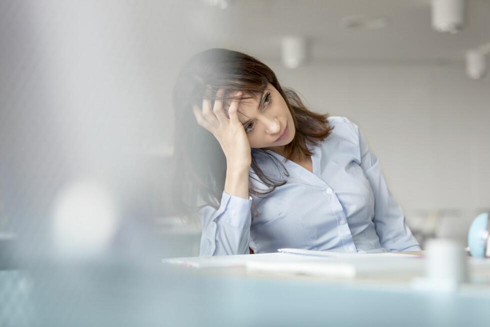 TRØTT: Er du ofte trøtt og slapp på jobb eller i andre sammenhenger? Da kan det være et tegn på magnesium-mangel i kroppen din.  Foto: Science Photo Library