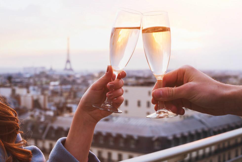 PROSECCO: Boblene i prosecco, champagne og cava gjør at du blir raskere beruset.. FOTO: Shutterstock / Ditty_about_summer